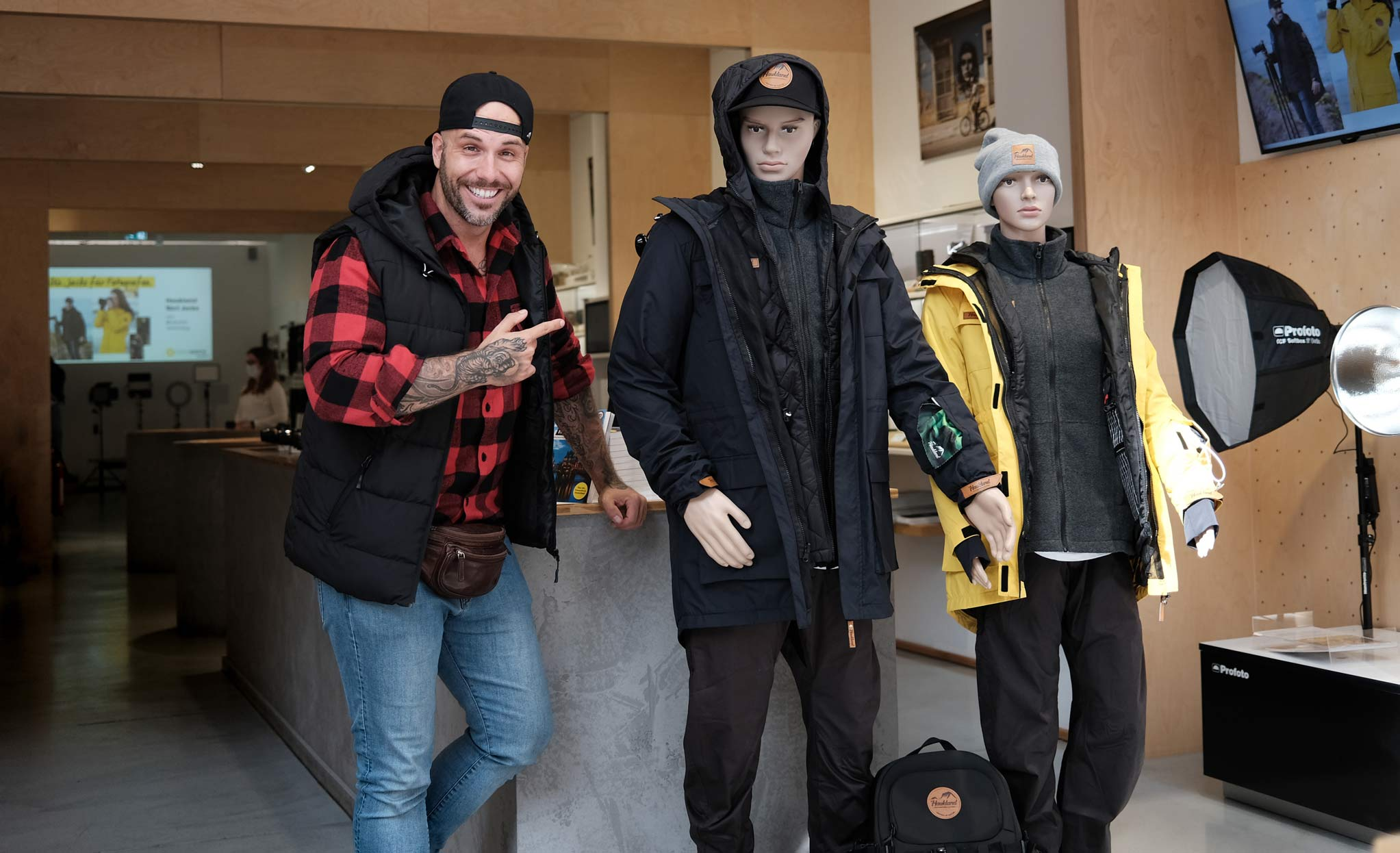 Benjamin Jaworskyj mit Haukland Clothing bei Foto Koch